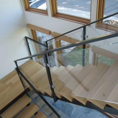 Ограждение лестница из стекла